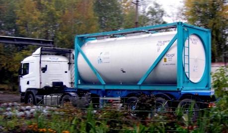 Доставка опасных грузов контейнеровозами.