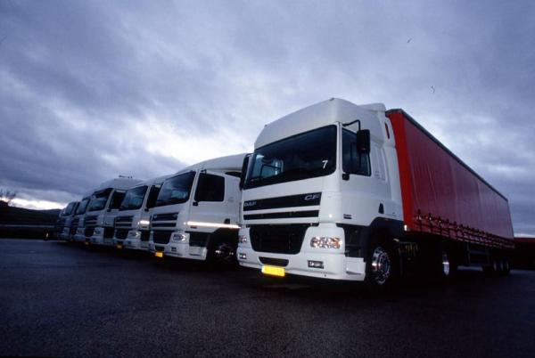 Перевозка опасных грузов тентованными автомобилями.
